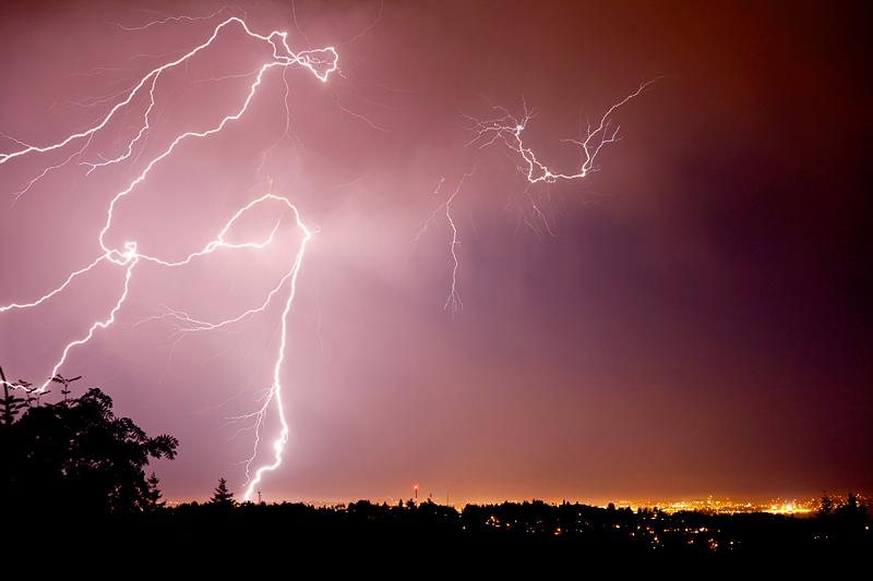 Lightning, lightning storm, Victoria lightning, victoria bc lightning, victoria bc storm, victoria bc, thunder storm, metchosin