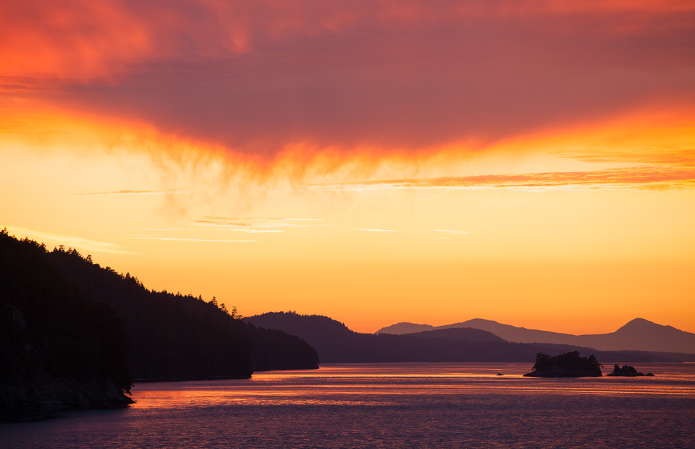 I'll admit it, I'm a sucker for sunrises and sunsets. It's a great excuse to get out into nature and the colorful display is always something beautiful and different. Here's a classic coastal sunset as seen amongst the idyllic Gulf Islands.