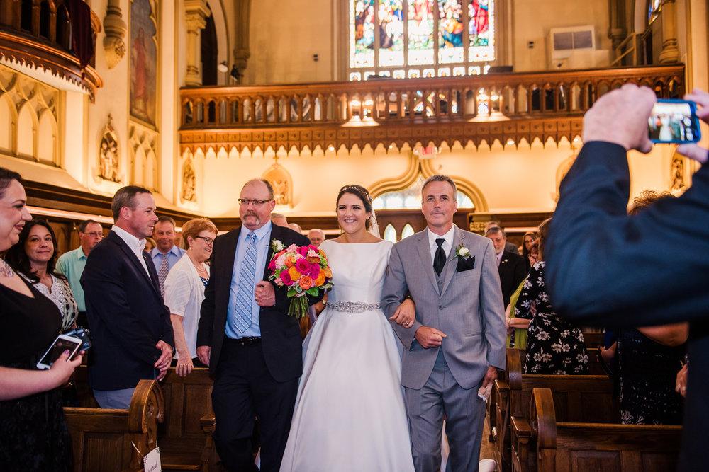 JILLSTUDIO_Blue_Barn_Cidery_Rochester_Wedding_Rochester_NY_Photographer_DSC_8527.jpg
