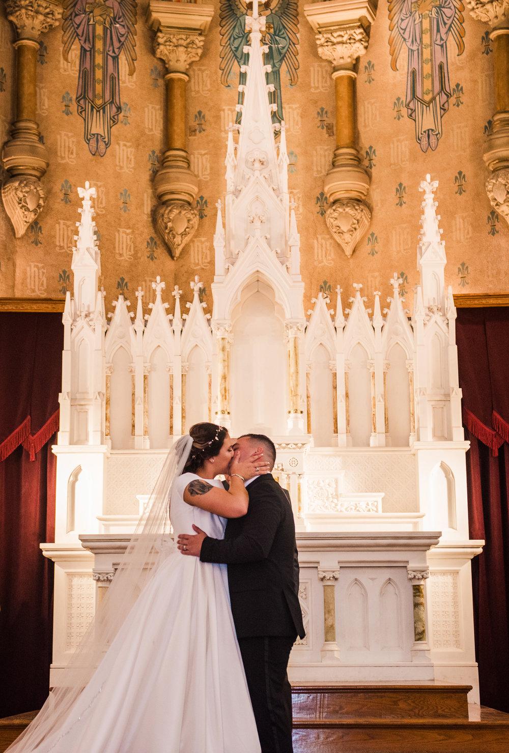 JILLSTUDIO_Blue_Barn_Cidery_Rochester_Wedding_Rochester_NY_Photographer_DSC_8581.jpg