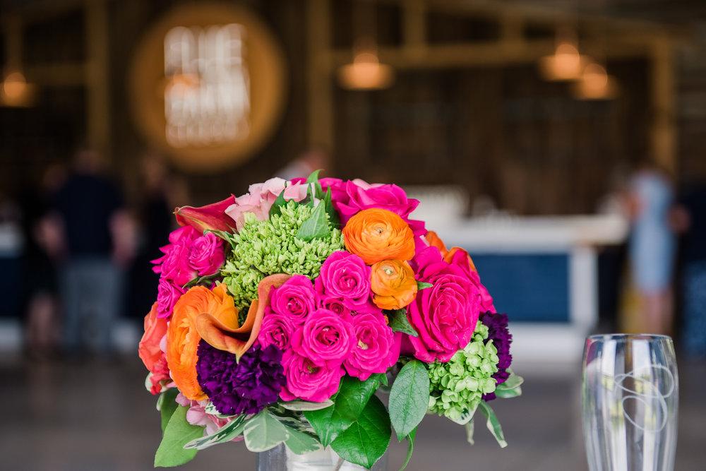 JILLSTUDIO_Blue_Barn_Cidery_Rochester_Wedding_Rochester_NY_Photographer_DSC_8713.jpg