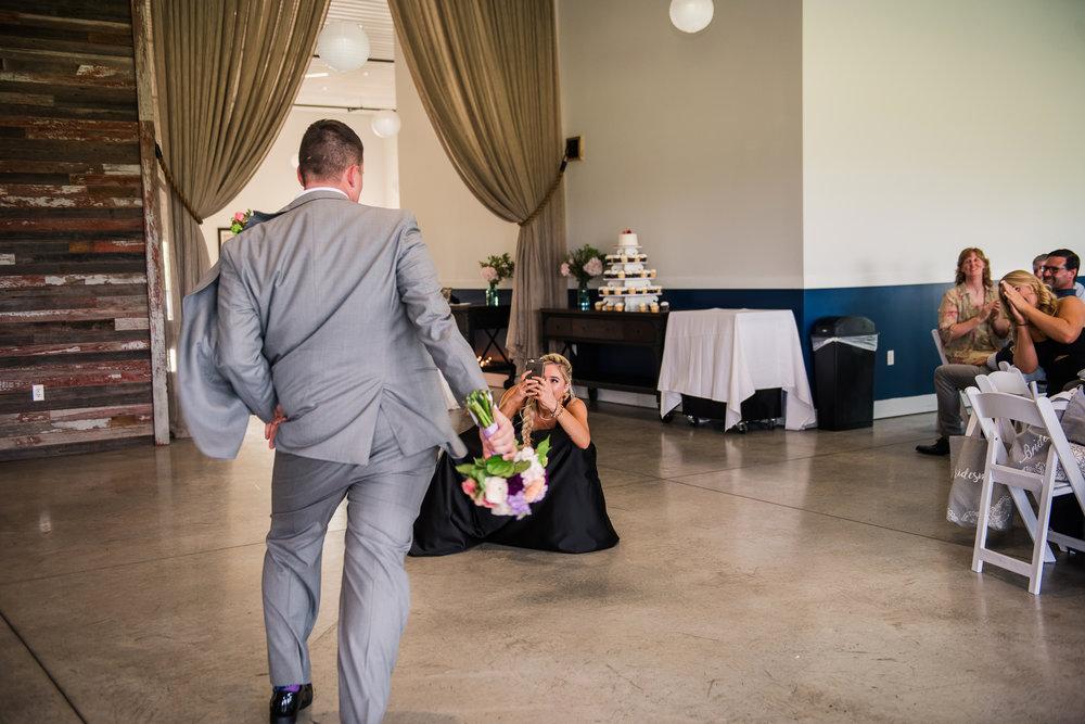 JILLSTUDIO_Blue_Barn_Cidery_Rochester_Wedding_Rochester_NY_Photographer_DSC_8805.jpg