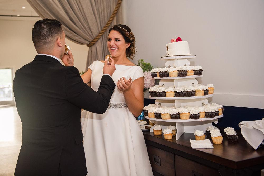 JILLSTUDIO_Blue_Barn_Cidery_Rochester_Wedding_Rochester_NY_Photographer_DSC_8878.jpg