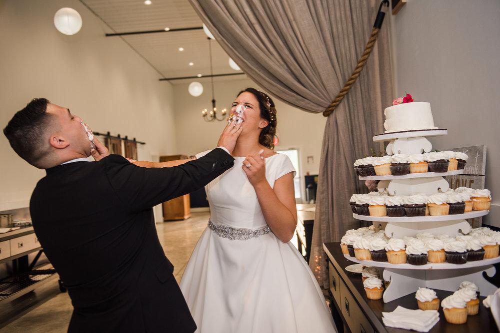 JILLSTUDIO_Blue_Barn_Cidery_Rochester_Wedding_Rochester_NY_Photographer_DSC_8881.jpg