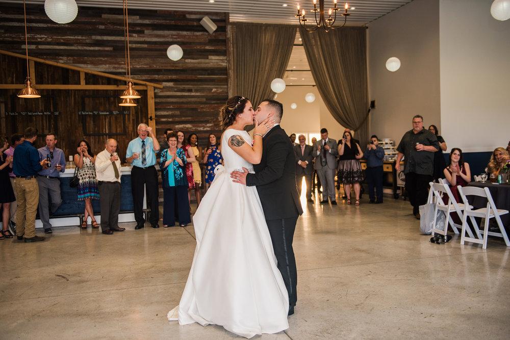 JILLSTUDIO_Blue_Barn_Cidery_Rochester_Wedding_Rochester_NY_Photographer_DSC_8917.jpg
