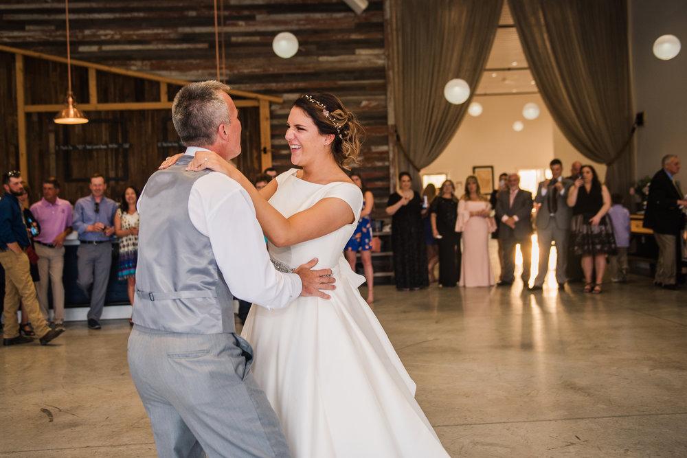 JILLSTUDIO_Blue_Barn_Cidery_Rochester_Wedding_Rochester_NY_Photographer_DSC_8923.jpg