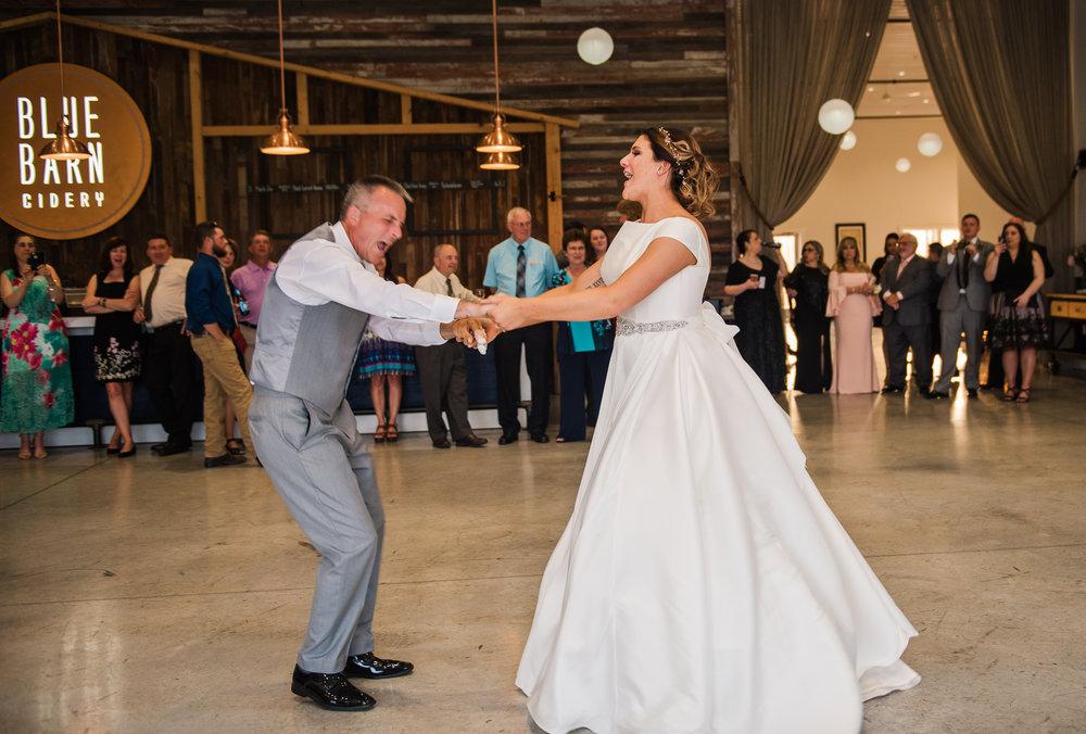 JILLSTUDIO_Blue_Barn_Cidery_Rochester_Wedding_Rochester_NY_Photographer_DSC_8925.jpg