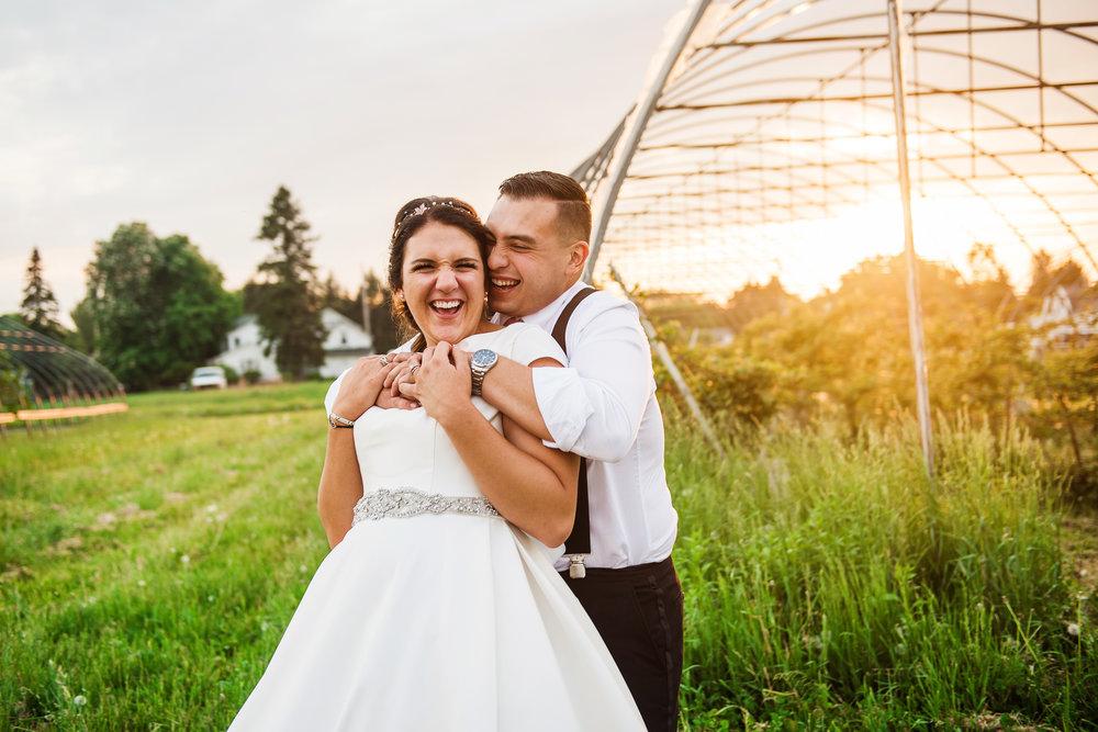 JILLSTUDIO_Blue_Barn_Cidery_Rochester_Wedding_Rochester_NY_Photographer_DSC_9011.jpg