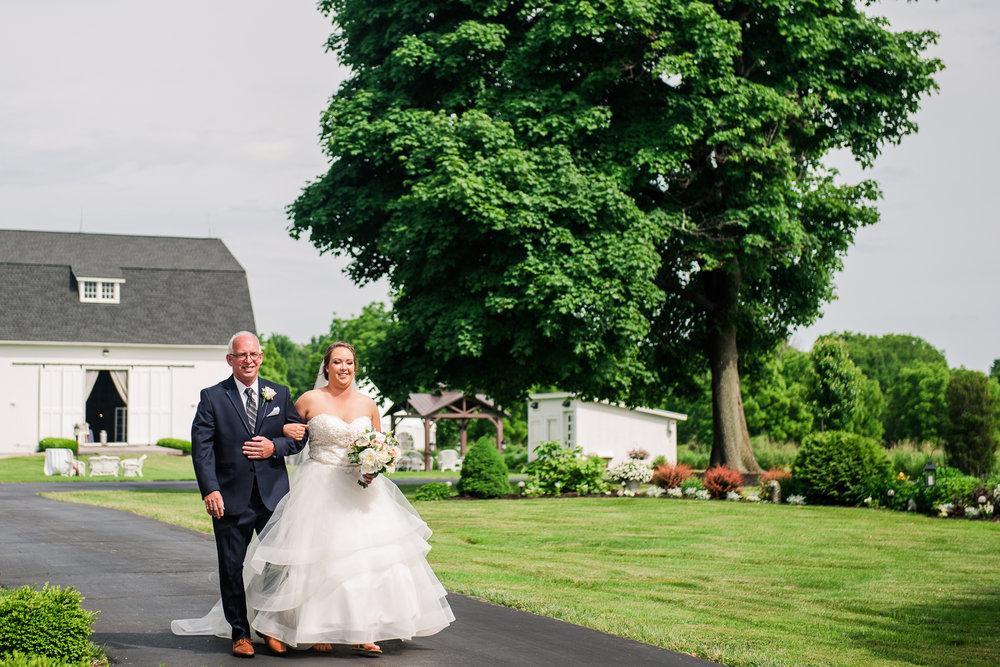 JILLSTUDIO_Avon_Century_Barn_Rochester_Wedding_Rochester_NY_Photographer_DSC_0164.jpg