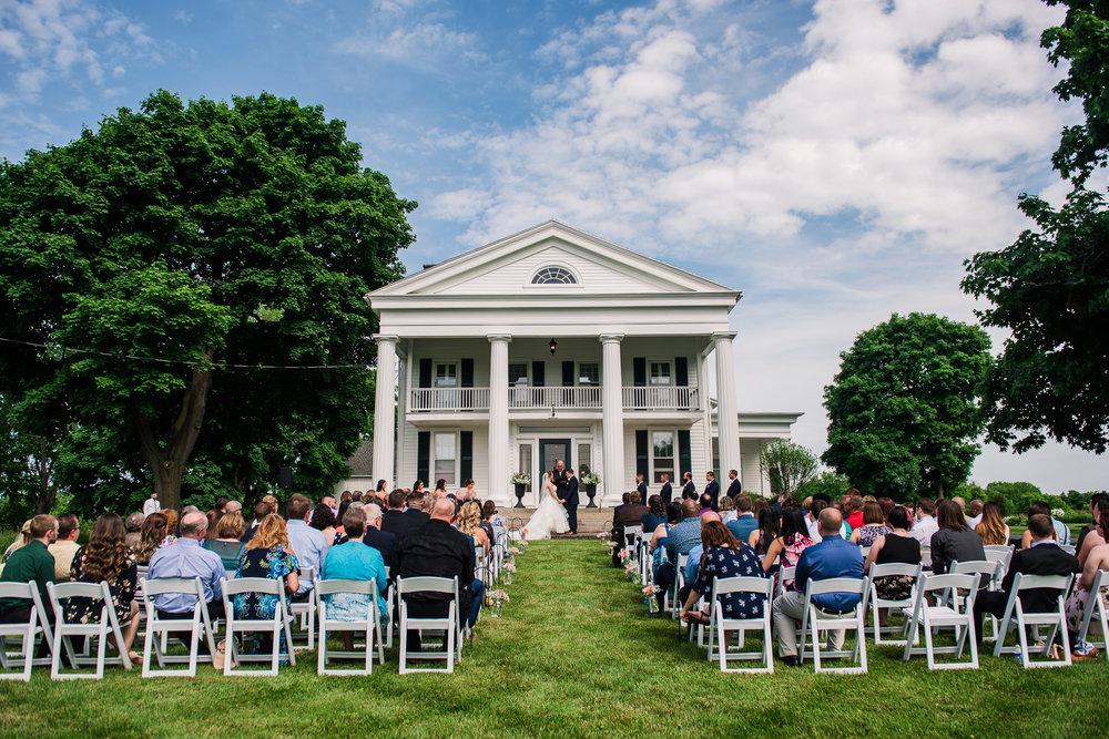 JILLSTUDIO_Avon_Century_Barn_Rochester_Wedding_Rochester_NY_Photographer_DSC_0195.jpg
