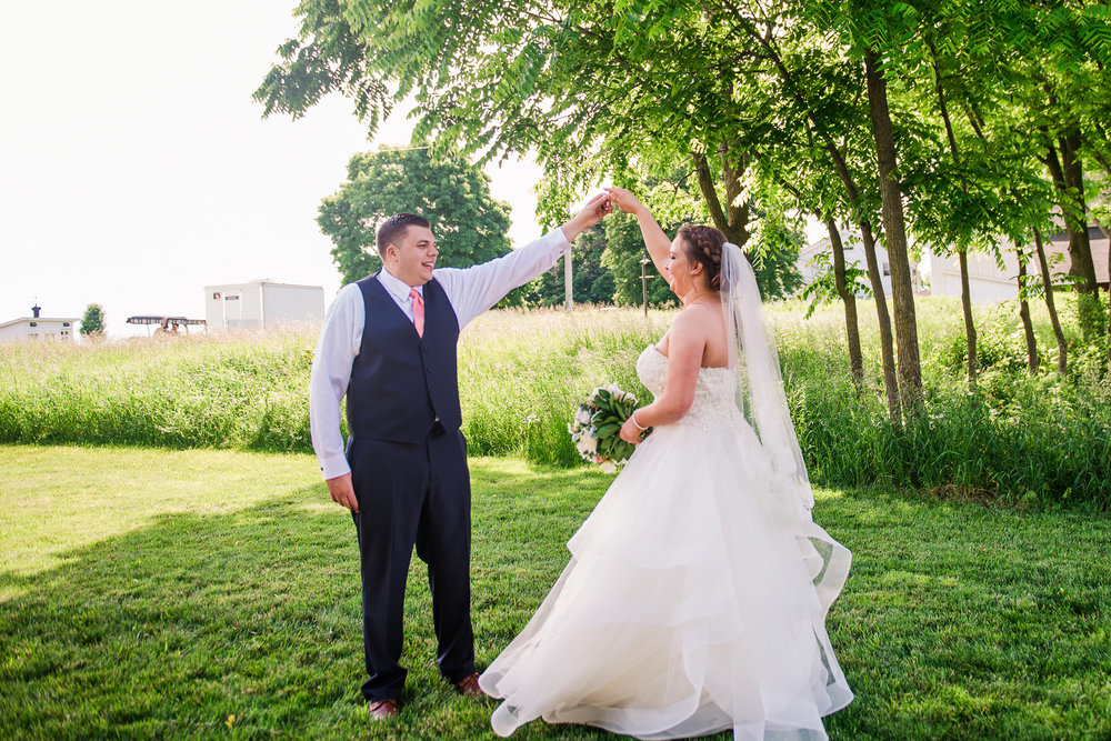 JILLSTUDIO_Avon_Century_Barn_Rochester_Wedding_Rochester_NY_Photographer_DSC_0304.jpg