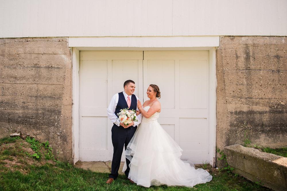 JILLSTUDIO_Avon_Century_Barn_Rochester_Wedding_Rochester_NY_Photographer_DSC_0320.jpg