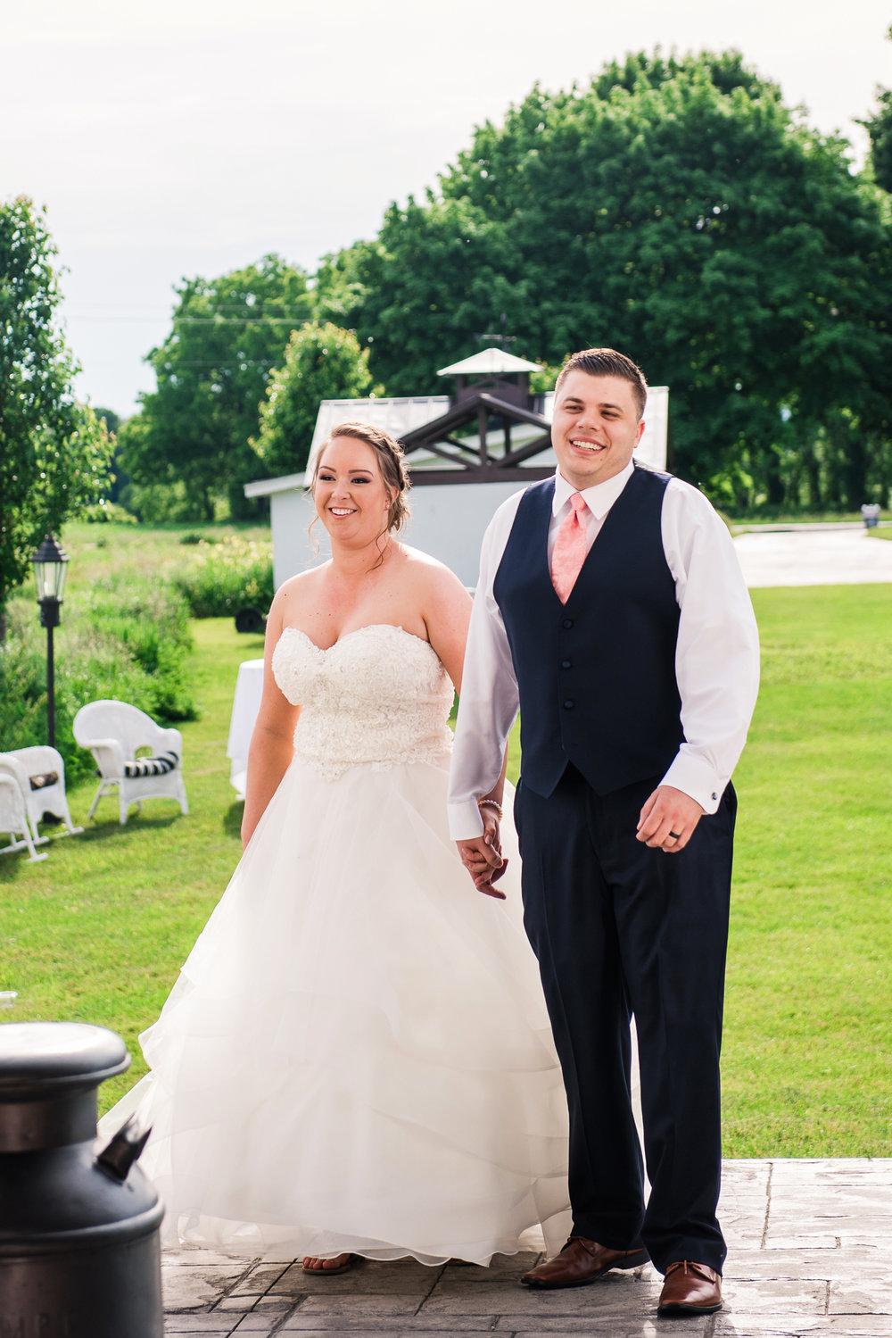 JILLSTUDIO_Avon_Century_Barn_Rochester_Wedding_Rochester_NY_Photographer_DSC_0497.jpg