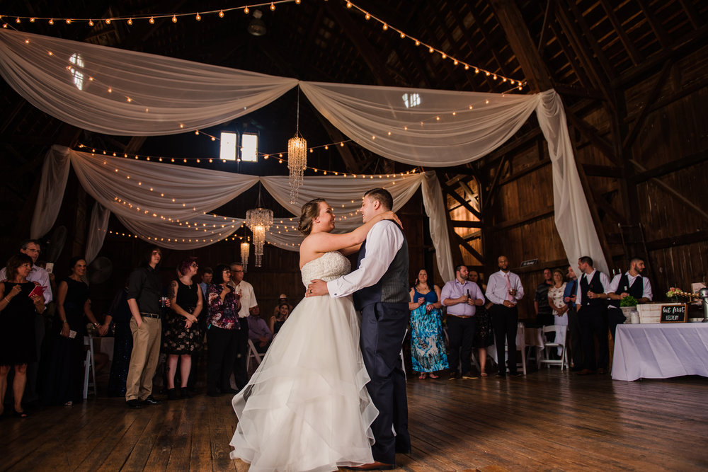 JILLSTUDIO_Avon_Century_Barn_Rochester_Wedding_Rochester_NY_Photographer_DSC_0567.jpg