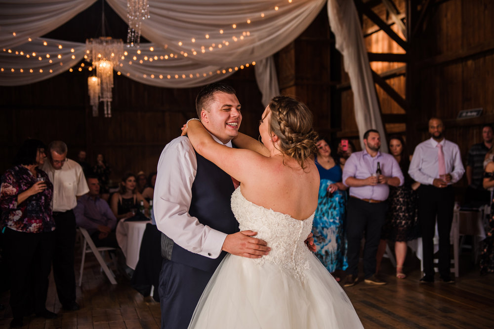 JILLSTUDIO_Avon_Century_Barn_Rochester_Wedding_Rochester_NY_Photographer_DSC_0574.jpg