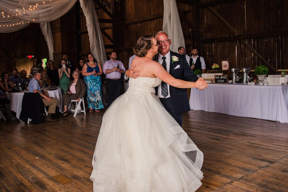 JILLSTUDIO_Avon_Century_Barn_Rochester_Wedding_Rochester_NY_Photographer_DSC_0608.jpg