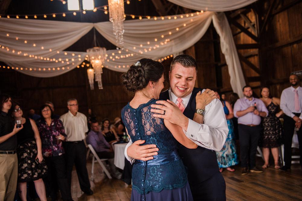 JILLSTUDIO_Avon_Century_Barn_Rochester_Wedding_Rochester_NY_Photographer_DSC_0630.jpg