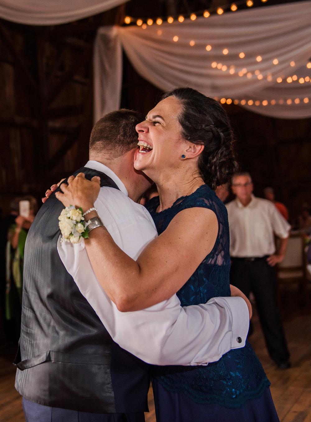 JILLSTUDIO_Avon_Century_Barn_Rochester_Wedding_Rochester_NY_Photographer_DSC_0624.jpg