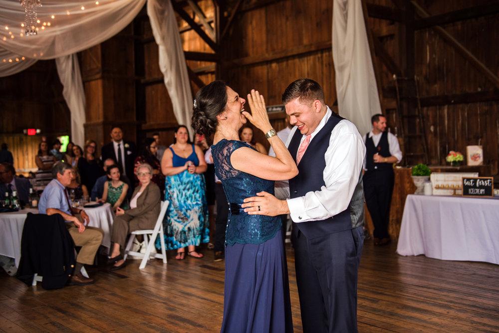 JILLSTUDIO_Avon_Century_Barn_Rochester_Wedding_Rochester_NY_Photographer_DSC_0638.jpg