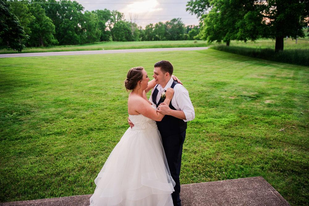 JILLSTUDIO_Avon_Century_Barn_Rochester_Wedding_Rochester_NY_Photographer_DSC_0753.jpg