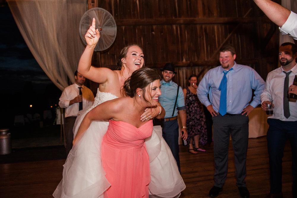 JILLSTUDIO_Avon_Century_Barn_Rochester_Wedding_Rochester_NY_Photographer_DSC_0959.jpg