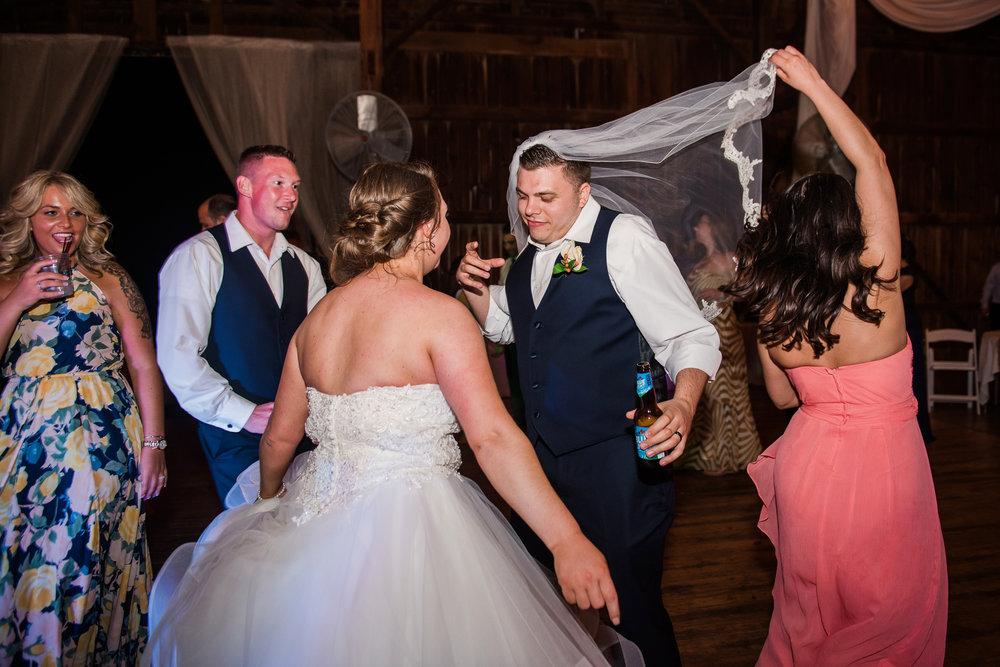 JILLSTUDIO_Avon_Century_Barn_Rochester_Wedding_Rochester_NY_Photographer_DSC_0996.jpg