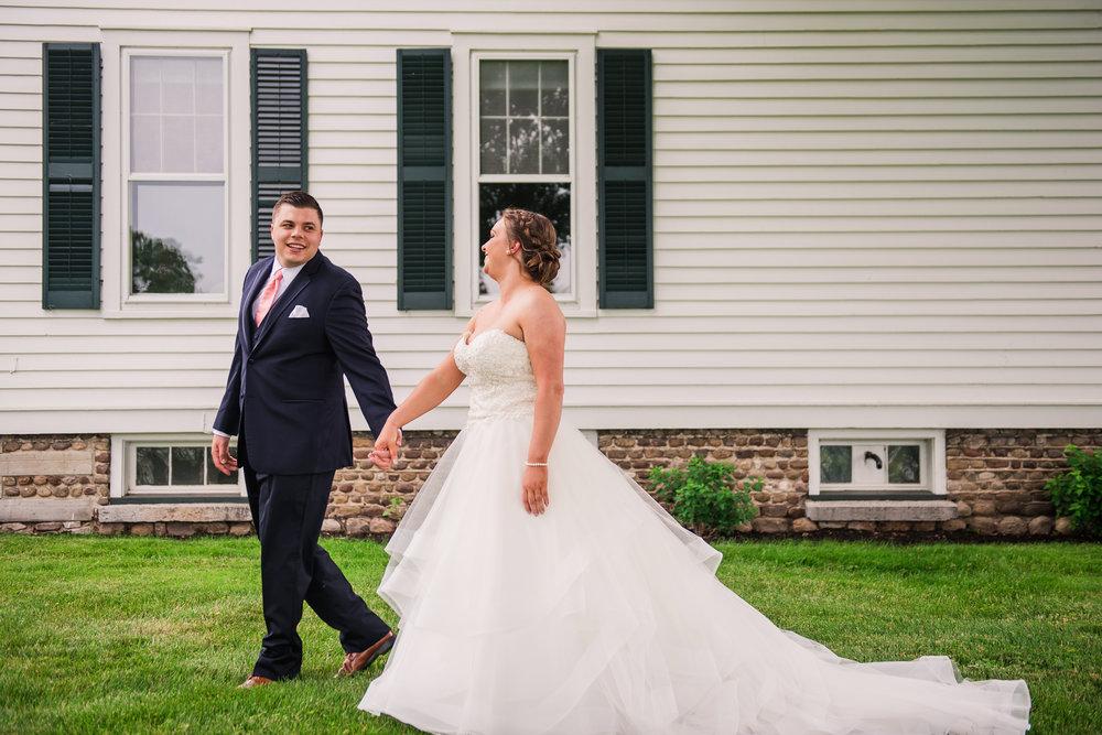 JILLSTUDIO_Avon_Century_Barn_Rochester_Wedding_Rochester_NY_Photographer_DSC_9919a.jpg