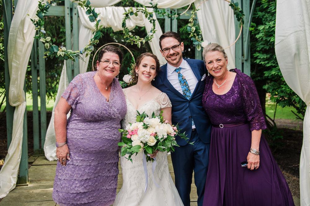 JILLSTUDIO_John_Joseph_Inn_Finger_Lakes_Wedding_Rochester_NY_Photographer_DSC_1240.jpg