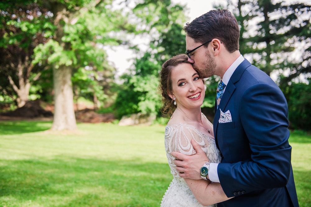 JILLSTUDIO_John_Joseph_Inn_Finger_Lakes_Wedding_Rochester_NY_Photographer_DSC_1328.jpg