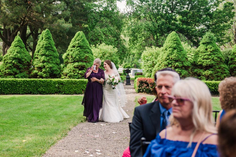 JILLSTUDIO_John_Joseph_Inn_Finger_Lakes_Wedding_Rochester_NY_Photographer_DSC_1409.jpg