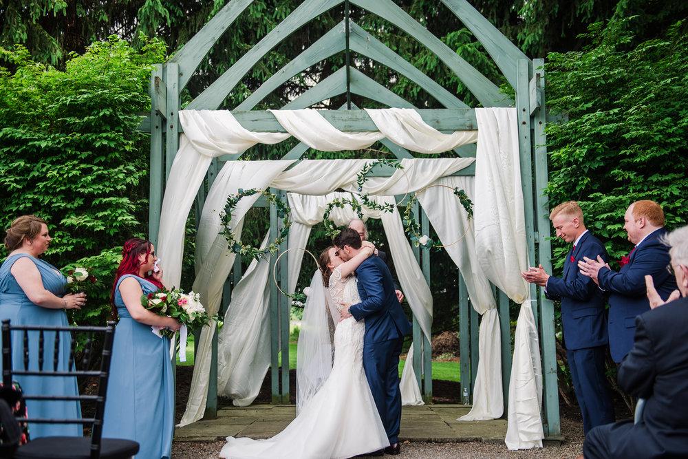 JILLSTUDIO_John_Joseph_Inn_Finger_Lakes_Wedding_Rochester_NY_Photographer_DSC_1490.jpg