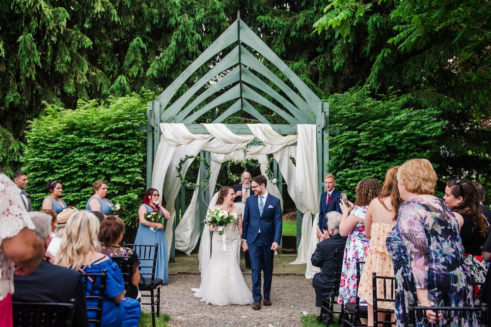 JILLSTUDIO_John_Joseph_Inn_Finger_Lakes_Wedding_Rochester_NY_Photographer_DSC_1494.jpg