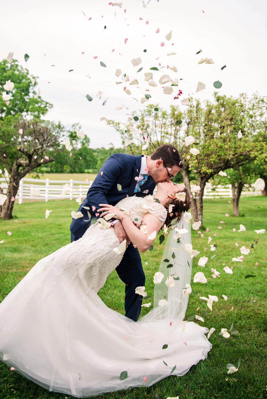 JILLSTUDIO_John_Joseph_Inn_Finger_Lakes_Wedding_Rochester_NY_Photographer_DSC_1539.jpg