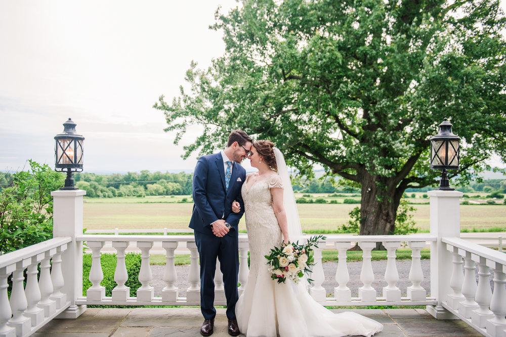 JILLSTUDIO_John_Joseph_Inn_Finger_Lakes_Wedding_Rochester_NY_Photographer_DSC_1556.jpg