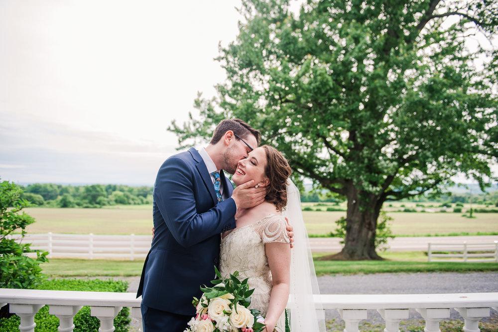 JILLSTUDIO_John_Joseph_Inn_Finger_Lakes_Wedding_Rochester_NY_Photographer_DSC_1565.jpg