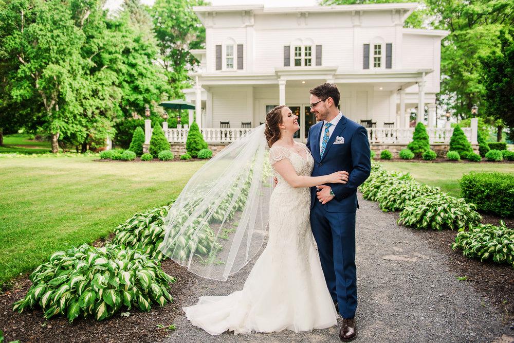 JILLSTUDIO_John_Joseph_Inn_Finger_Lakes_Wedding_Rochester_NY_Photographer_DSC_1594.jpg