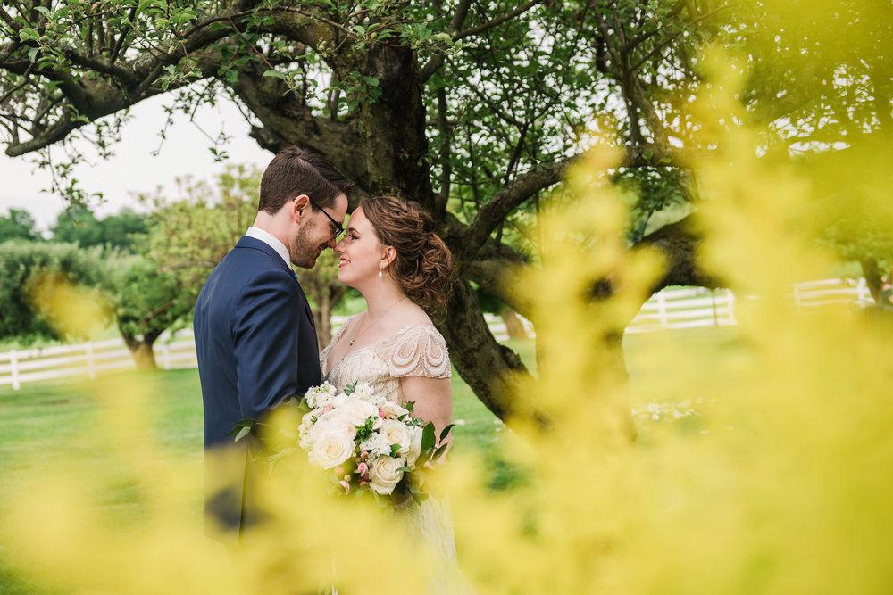 JILLSTUDIO_John_Joseph_Inn_Finger_Lakes_Wedding_Rochester_NY_Photographer_DSC_1621.jpg
