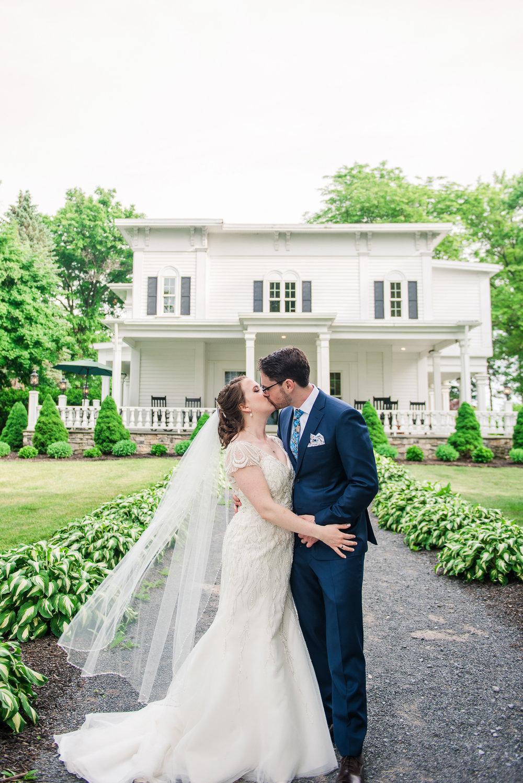 JILLSTUDIO_John_Joseph_Inn_Finger_Lakes_Wedding_Rochester_NY_Photographer_DSC_1597.jpg