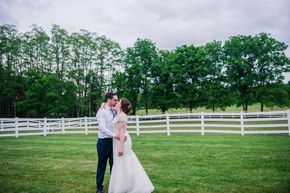 JILLSTUDIO_John_Joseph_Inn_Finger_Lakes_Wedding_Rochester_NY_Photographer_DSC_1801.jpg