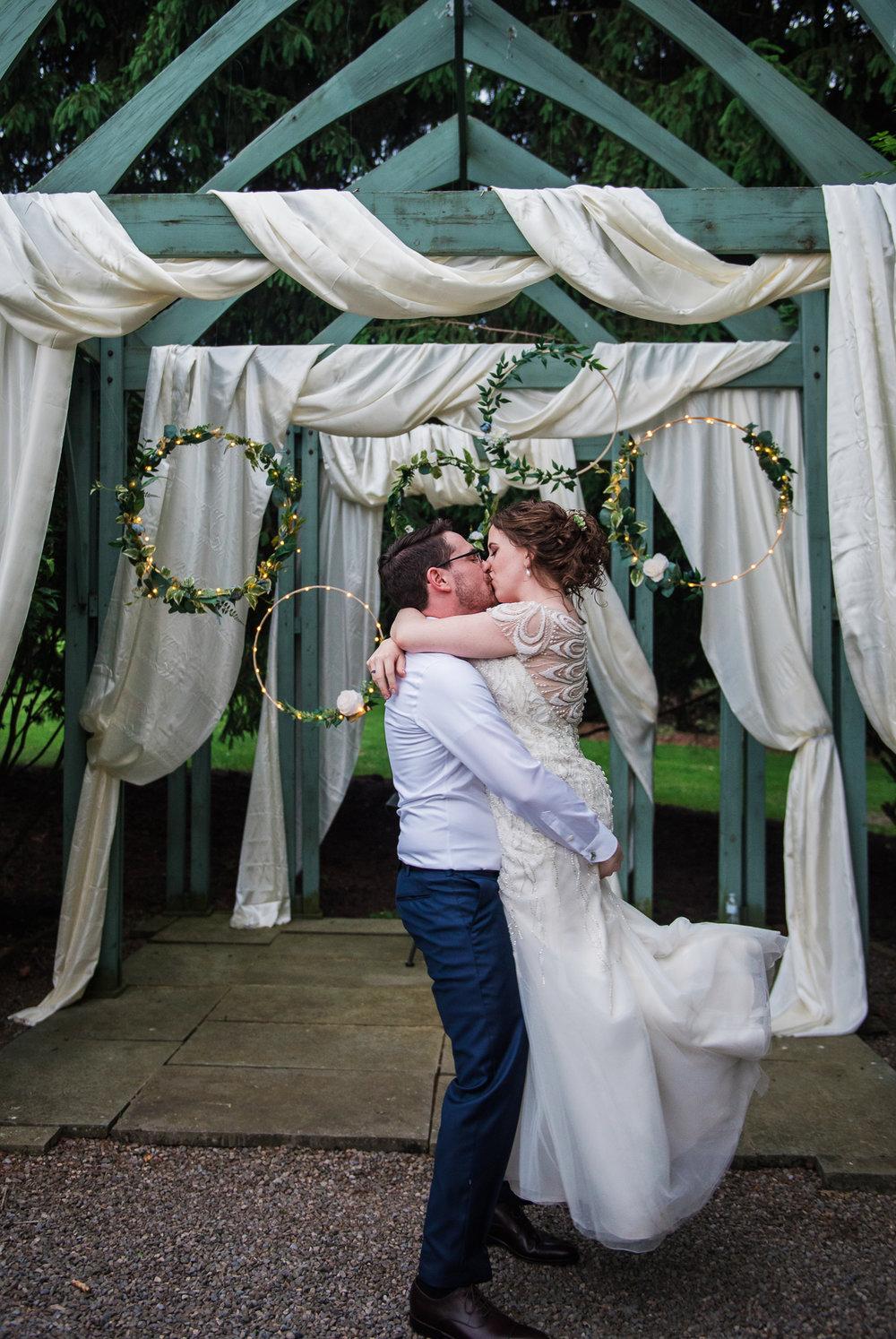 JILLSTUDIO_John_Joseph_Inn_Finger_Lakes_Wedding_Rochester_NY_Photographer_DSC_1841.jpg