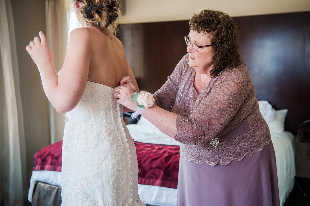 JILLSTUDIO_SKY_ArmorySyracuse_Wedding_Rochester_NY_Photographer_DSC_2117.jpg