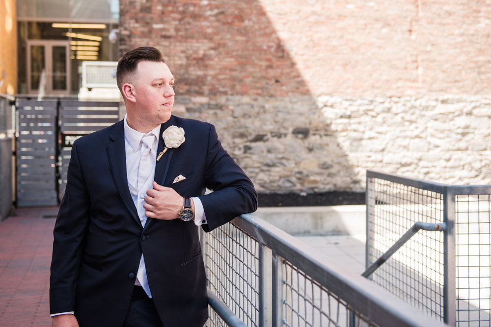 JILLSTUDIO_SKY_ArmorySyracuse_Wedding_Rochester_NY_Photographer_DSC_2522.jpg