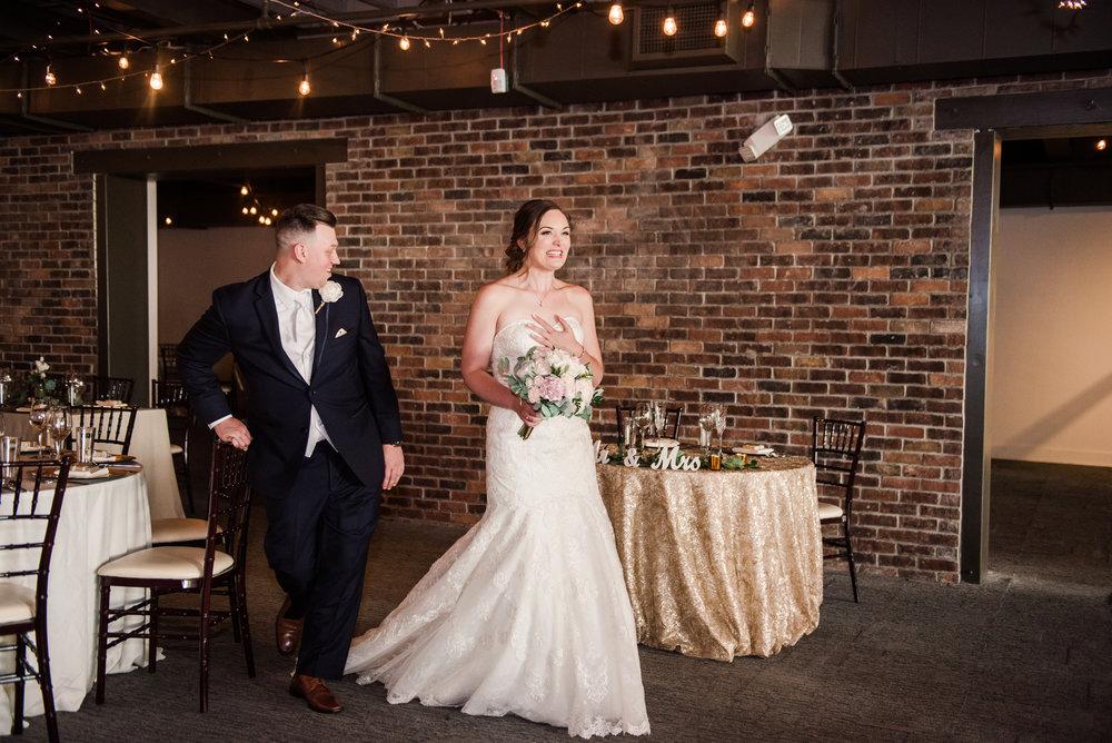 JILLSTUDIO_SKY_ArmorySyracuse_Wedding_Rochester_NY_Photographer_DSC_2534.jpg