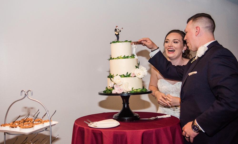 JILLSTUDIO_SKY_ArmorySyracuse_Wedding_Rochester_NY_Photographer_DSC_3054.jpg