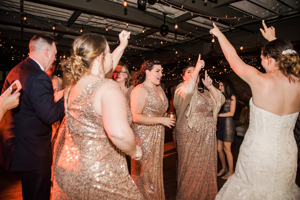 JILLSTUDIO_SKY_ArmorySyracuse_Wedding_Rochester_NY_Photographer_DSC_3129.jpg