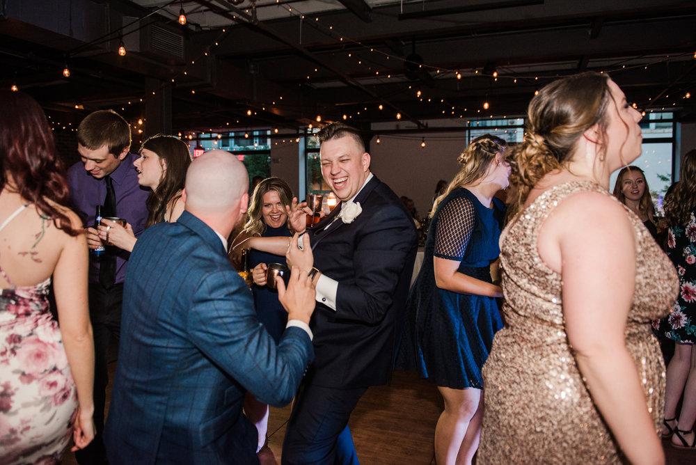 JILLSTUDIO_SKY_ArmorySyracuse_Wedding_Rochester_NY_Photographer_DSC_3300.jpg
