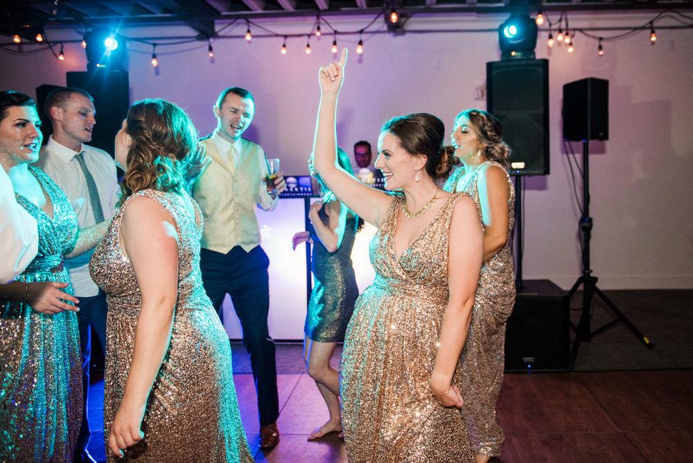 JILLSTUDIO_SKY_ArmorySyracuse_Wedding_Rochester_NY_Photographer_DSC_3311.jpg