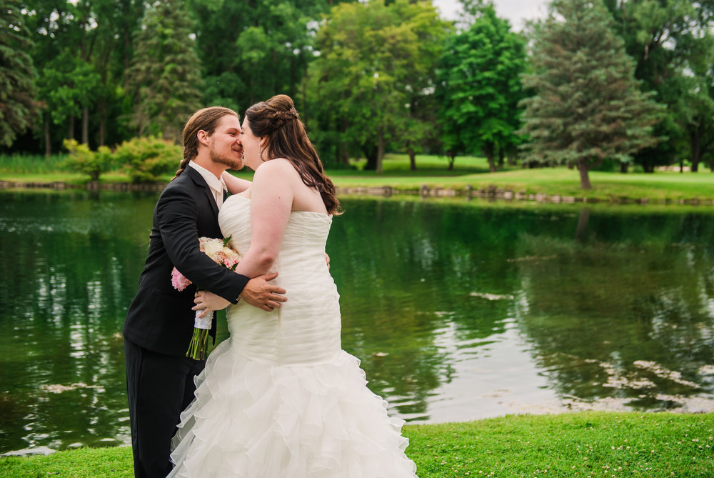 JILLSTUDIO_Shadow_Lake_Rochester_Wedding_Rochester_NY_Photographer_DSC_3823.jpg