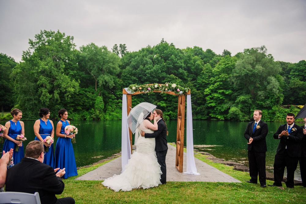 JILLSTUDIO_Shadow_Lake_Rochester_Wedding_Rochester_NY_Photographer_DSC_4245.jpg