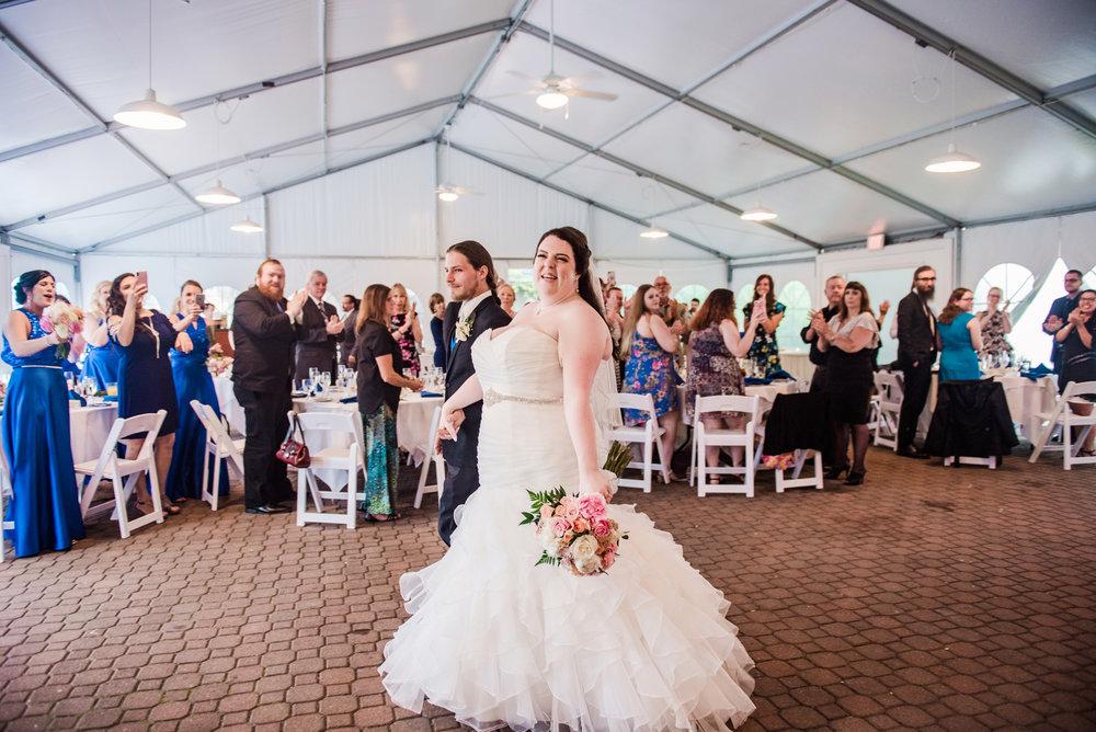 JILLSTUDIO_Shadow_Lake_Rochester_Wedding_Rochester_NY_Photographer_DSC_4395.jpg